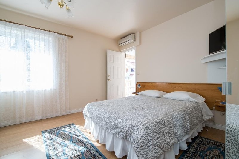 Apartments Mijajov Dvor- One-Bedroom Apartment with Shared Balcony (#1), alquiler de vacaciones en Sumartin