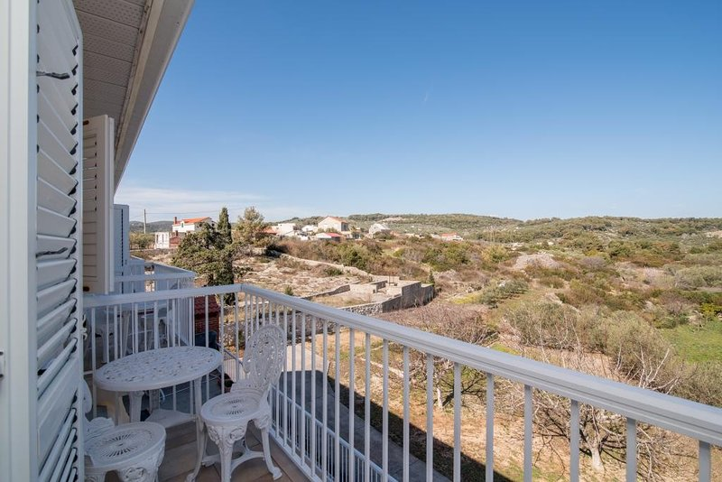 Apartments Mijajov Dvor- One-Bedroom Apartment with Balcony and Sea View (#5), vacation rental in Sumartin