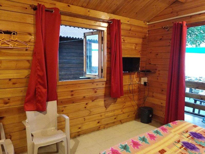 Single cottage room