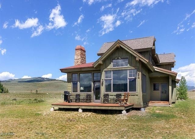 New Listing! Upscale Mountain Getaway w/ Views of Ski Resort & Golf Club, holiday rental in Parshall