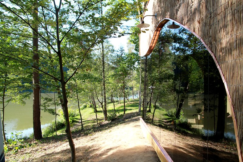 Charming Slovenia - Forest Glamping Resort Blaguš, location de vacances à Destrnik