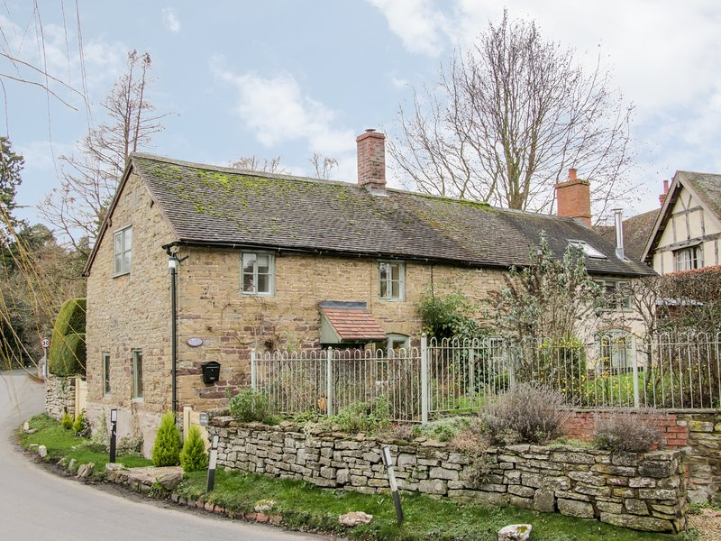 Glebe Cottage, Diddlebury, holiday rental in Diddlebury