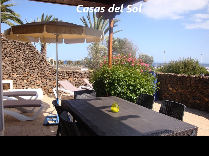 Villa on the complex of Casas del Sol (V7), vacation rental in Playa Blanca