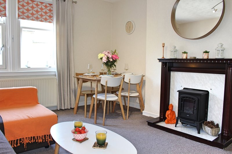 Castle Hill Apartment, holiday rental in Stirling