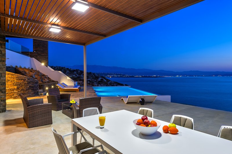 Luxury,stylish,beachfront.sunset view, holiday rental in Tersanas