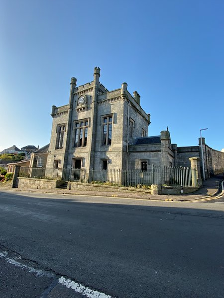 Kinghorn Town Hall - Large Historic Home on the Fife Coast close to Edinburgh, vacation rental in Kinghorn