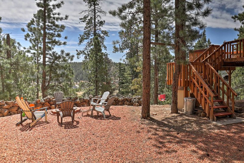 Spacious, quiet 2 bed 1 bath comfy cabin on dead end lane with wonderful views, casa vacanza a Duck Creek Village