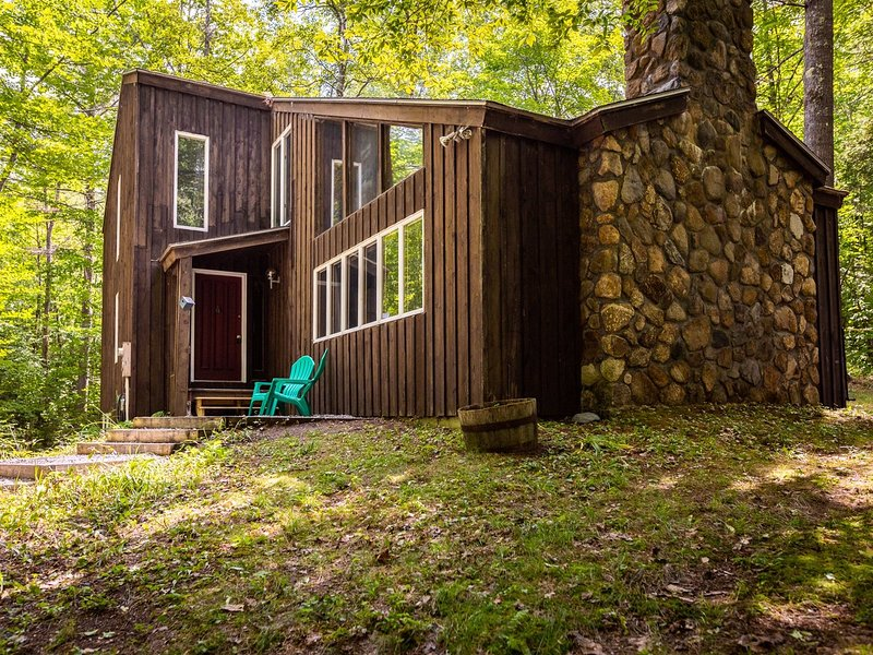 Four Bedroom Pet Friendly Vacation Home in Waterville Estates, NH!, aluguéis de temporada em Thornton