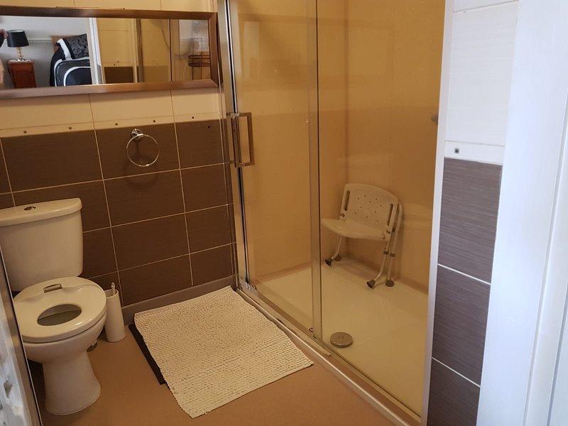 walk in shower in bedroom 4