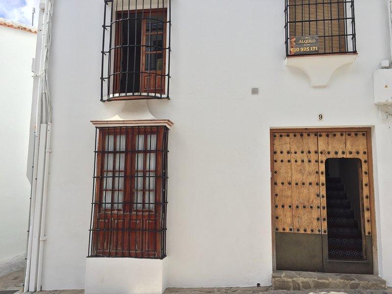 Apartamento Casa Virués, en pleno centro del pueblo, vacation rental in Grazalema