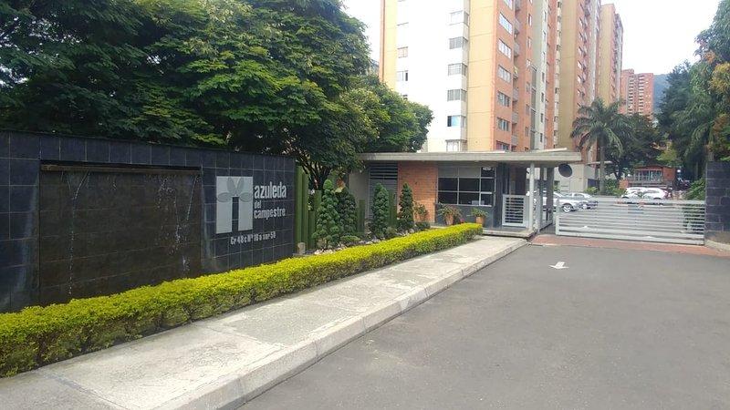 Nice apartment between Poblado and Envigado, vacation rental in Itagui
