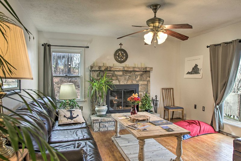 Pet-Friendly Home in Heart of Wine Country!, location de vacances à Winchester