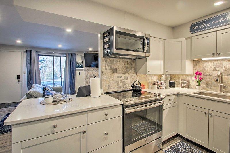 After your outdoor adventures, unwind inside this comfy 1-bedroom, 1-bath condo.
