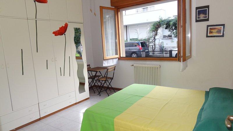 ESTATE 2021 LIBERO AGOSTO A SOLI 50 mt MARE GRAZIOSO APPARTAMENTO, vacation rental in Rimini