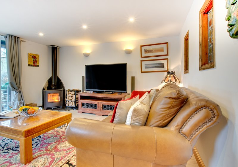 The Barn, holiday rental in Cresselly