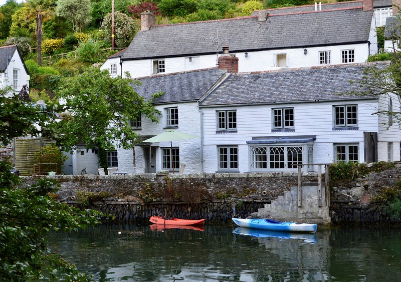 Pear Tree Cottage, holiday rental in Gillan