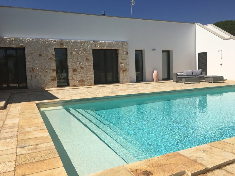 Blissful quiet retreat just 10 minutes from Ostuni, aluguéis de temporada em Ostuni