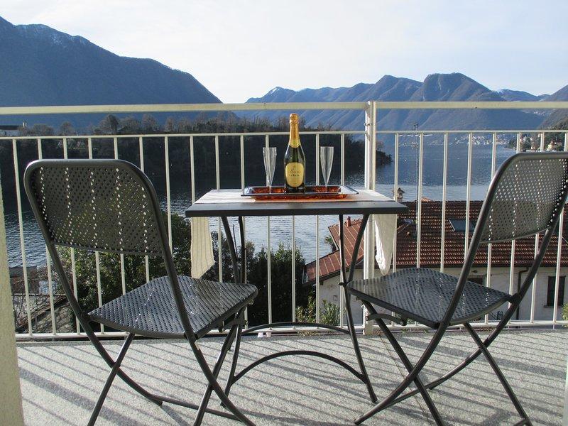Apartment Ossuccio overlooking the lake, Ferienwohnung in Ossuccio
