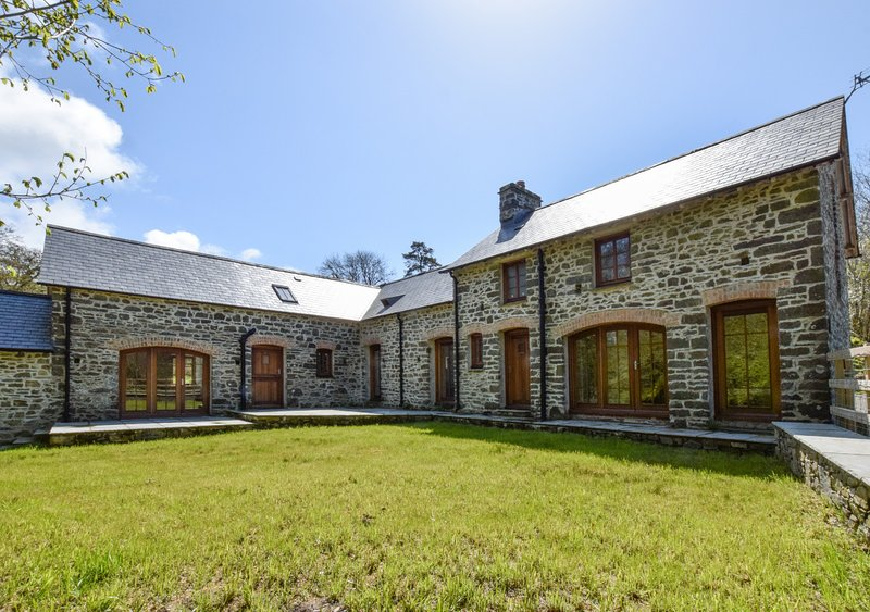 Synod Mill Coach House, holiday rental in Plwmp