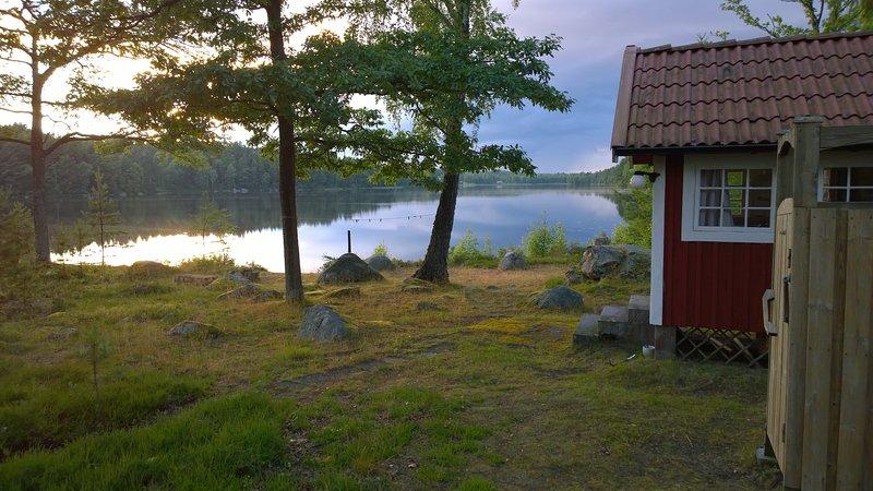 F06/Björkudden - Stuga vid insjö, location de vacances à Sölvesborg