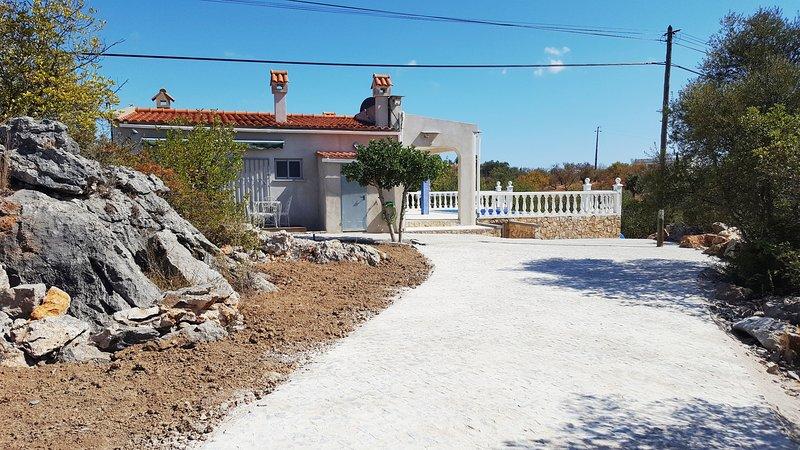 Villa met privé zwembad  'Casa Calhandros', holiday rental in Tavira
