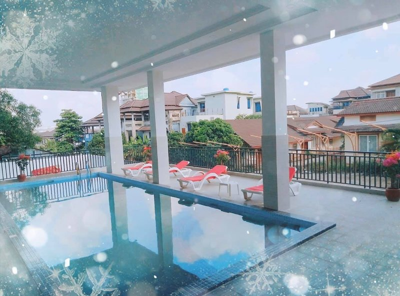 1 BDR Apt+Pool/Gym+Private Bath, holiday rental in Sihanoukville