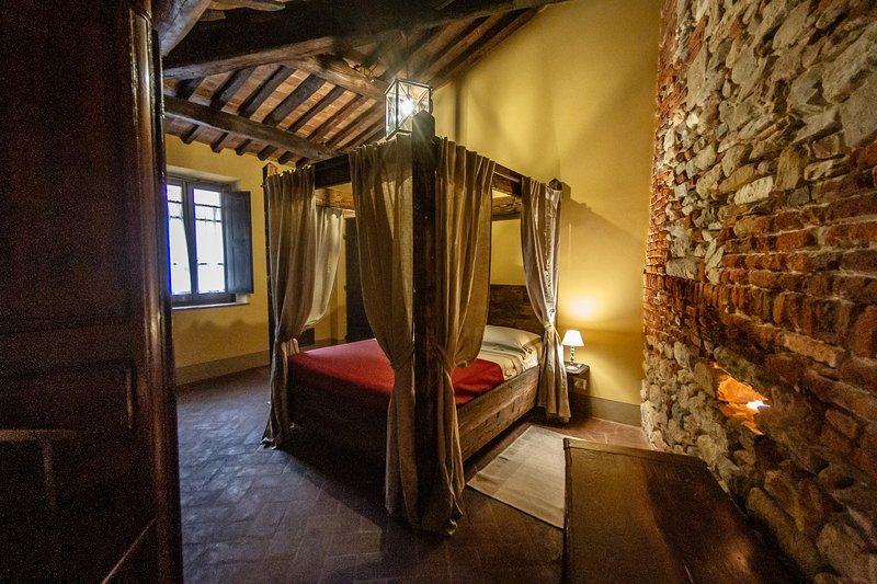 'LA TORRE' Medieval Resort con piscina 'Maniero del Brunelleschi' vicino Pisa, casa vacanza a Bientina