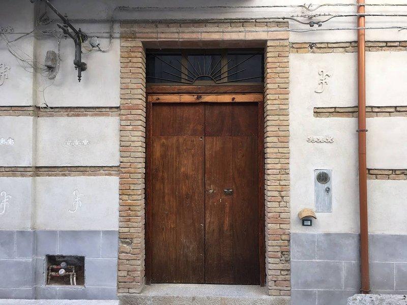 CASA MAGA - NEL CENTRO DI ROCCELLA IONICA, vacation rental in Caulonia
