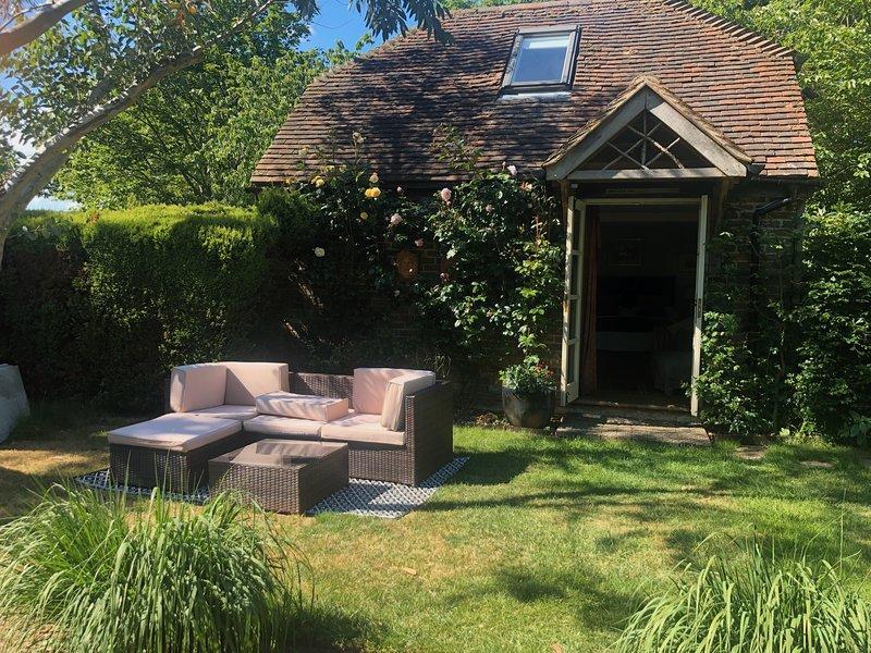 2 bed cosy garden cottage in rural countryside, location de vacances à Stroud