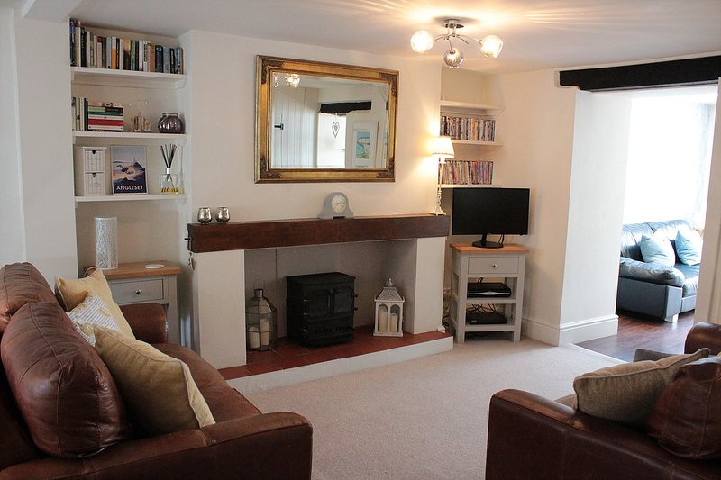 Stylish, central Beaumaris cottage, holiday rental in Beaumaris