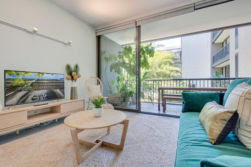 Tranquil Contemporary Hideaway in Hippest Area, vacation rental in Moore Park