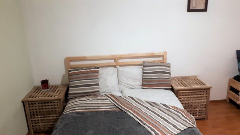 One-bedroom Apartment with living room, holiday rental in Pantelimon