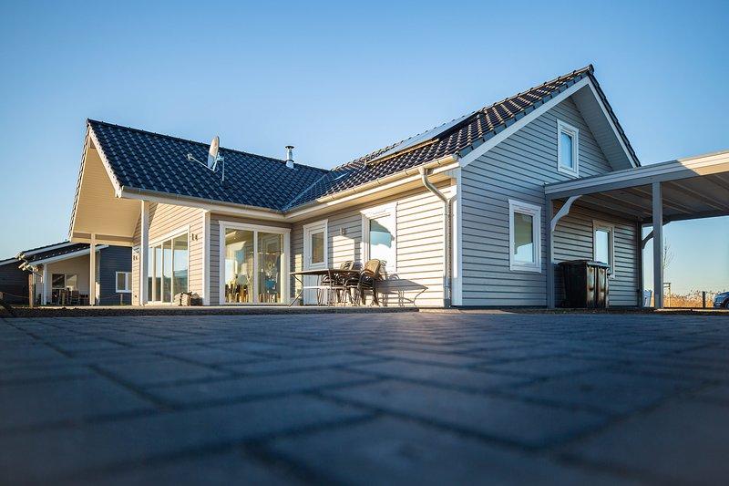 Dänisches Blockhaus direkt am Wangermeer, casa vacanza a Wangerland