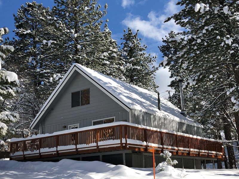 'Colusa Pines' Vacation Cabin in Big Bear Lake, CA, location de vacances à Big Bear Lake