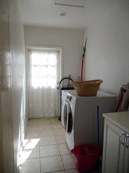 Lavadero (lavadora y secadora)