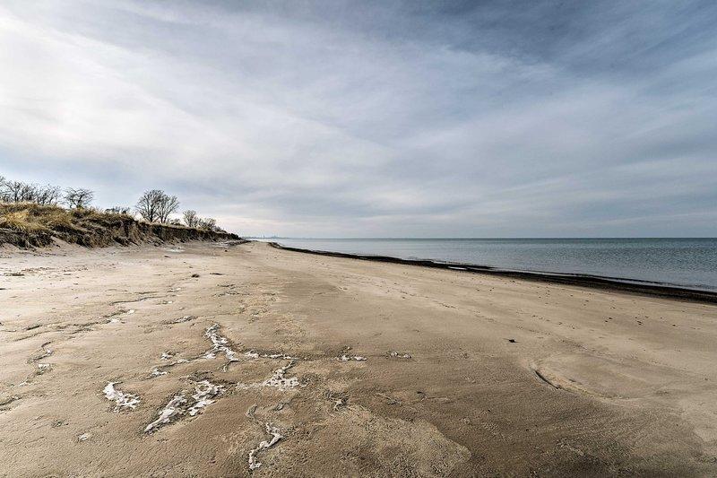 La casa vacanze Gary, Indianna si trova a soli 2 isolati dalla spiaggia!