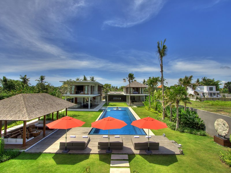 Villa Kalyani, 5BR, Canggu, location de vacances à North Kuta