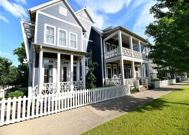 Carlton Landing-Spacious home on Boulevard, vacation rental in Canadian