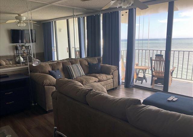 Stunning Ocenfront Two Bedroom Condo, location de vacances à Garden City Beach