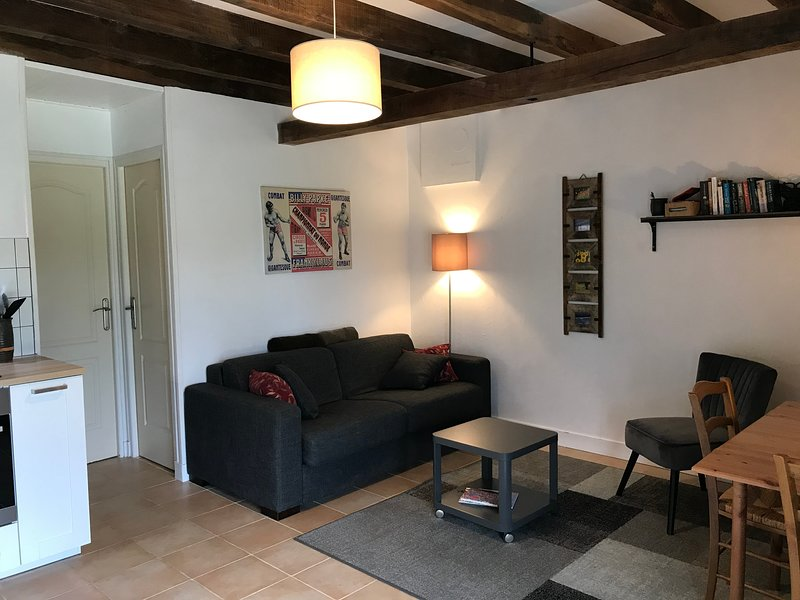 La Rame Gîte 1***, a private apartment in an old farmhouse in the Dordogne, holiday rental in Saint-Martin-de-Fressengeas