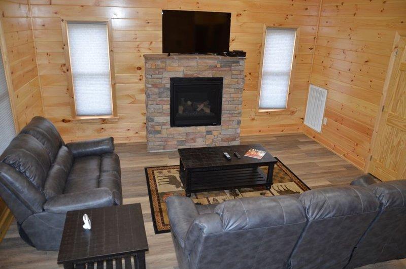 Pearl Bear - 2 Bedrooms, 1 Baths, Sleeps 4, holiday rental in Tellico Plains