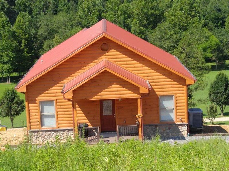 Ruby Bear - 2 Bedrooms, 1 Baths, Sleeps 4, holiday rental in Tellico Plains