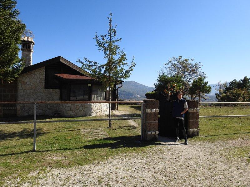 Chalet Il Vecchio Olmo, alquiler vacacional en Calascio