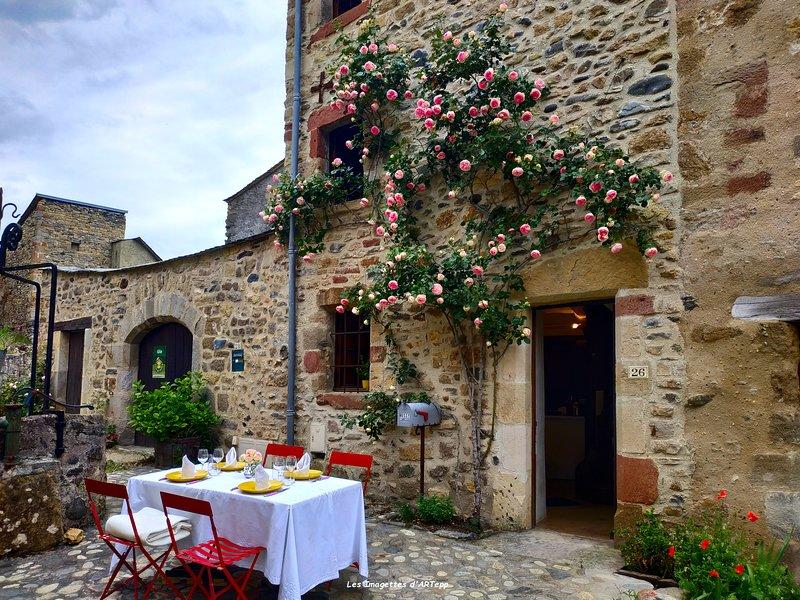 Gîte Le puits Enchanté, Ferienwohnung in Espalion
