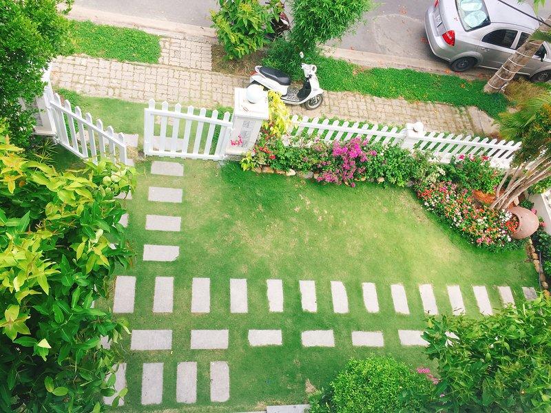 LY LY VILLA - Private villa 4 bedrooms for rent, location de vacances à Nha Trang