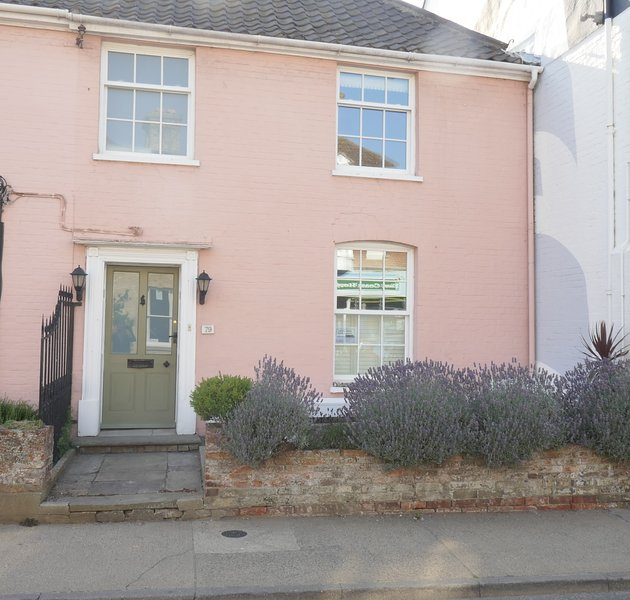 The Pink House, vacation rental in Aldeburgh