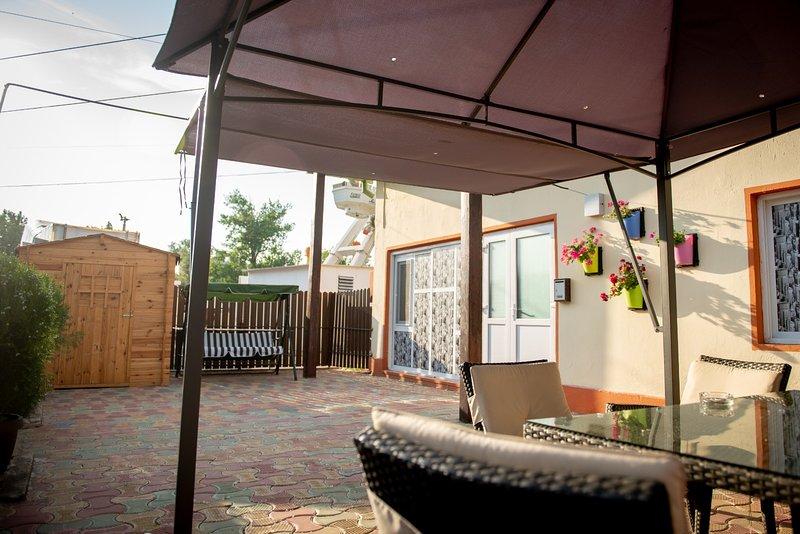 Nice house near the beach & garden, holiday rental in Constanta County