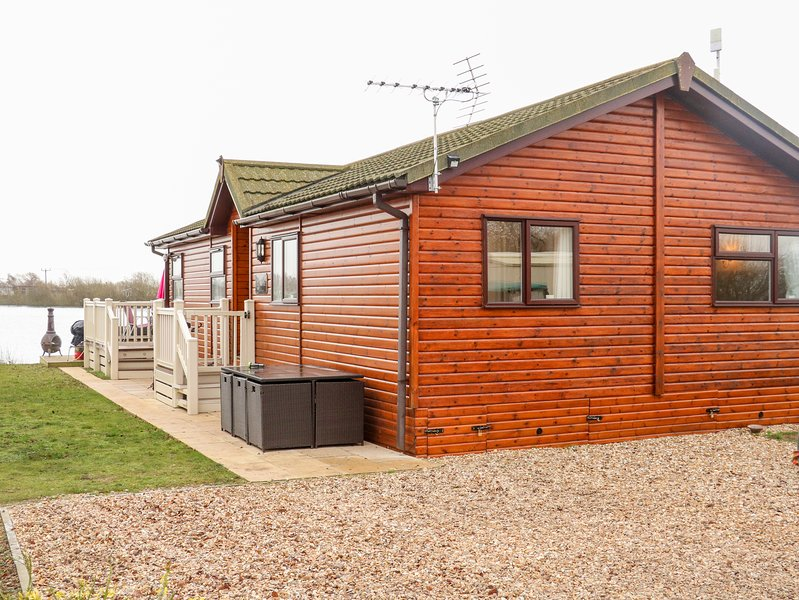 Waterfront Lodge, Tattershall Lakes Country Park, vacation rental in Tattershall