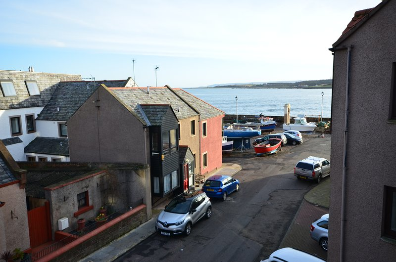 The Old Harbour Master's Flat, holiday rental in Dunbar