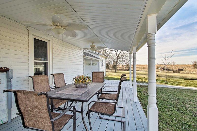Llama a esta casa 1857 de 1,800 pies cuadrados durante tus vacaciones.